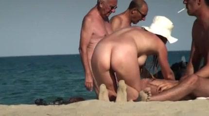 madchen gefangen sex am strand